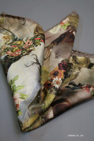 絵画のようなプリントのチーフ。イタリア老舗ネクタイメーカーALBENIアルベニ社製