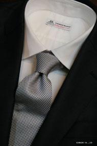 シルバー系の細かなチェックタイ イタリア老舗ネクタイメーカーALBENIアルベニ社製