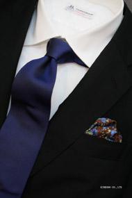 ロイヤルブルーのソリッドタイ イタリアの老舗ネクタイメーカーALBENIアルベニ社製